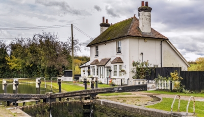 lock-keepers-cottage-by-peter-darby