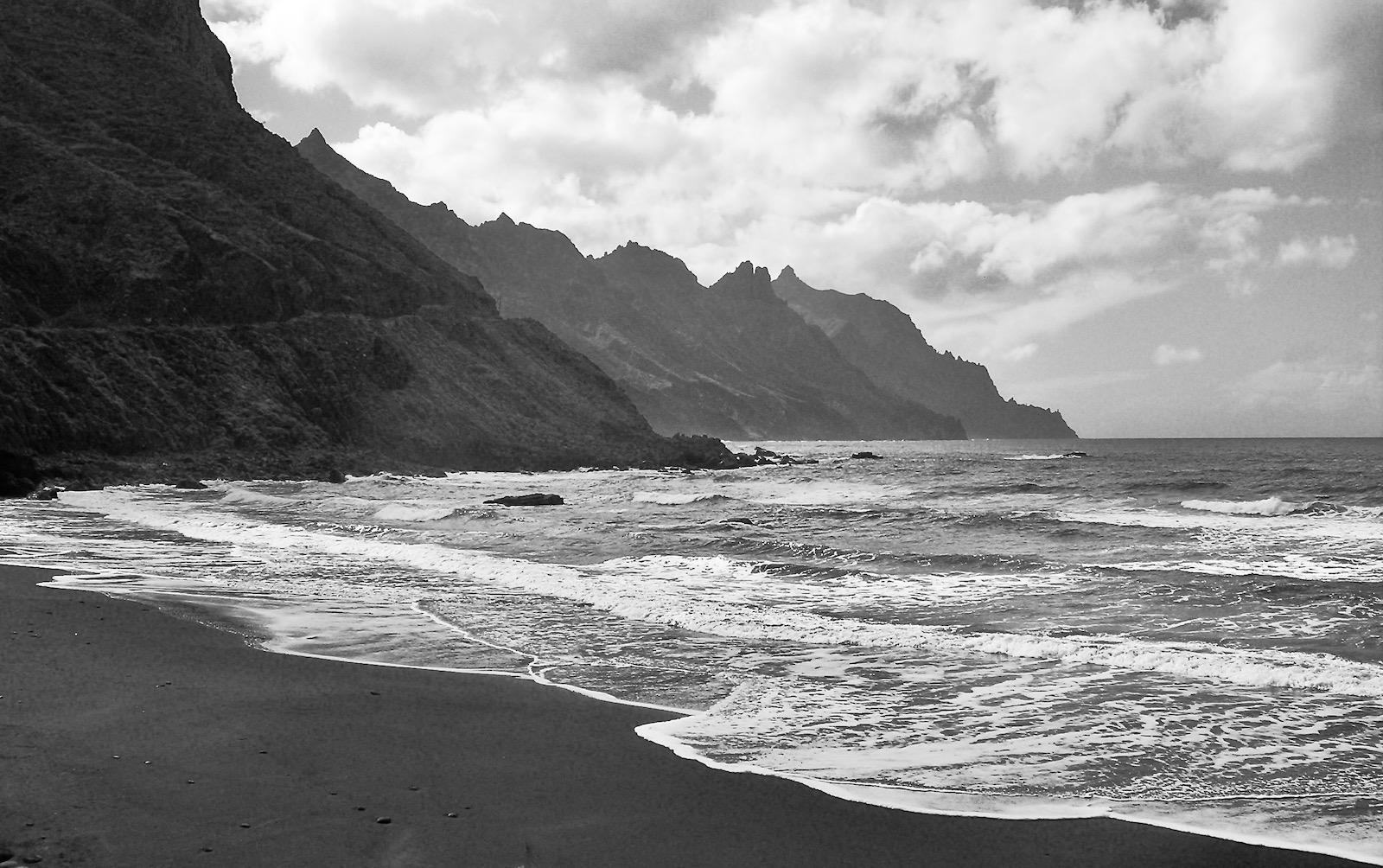 rugged-coast-by-richard