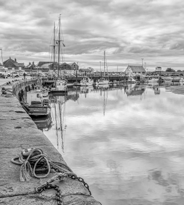 wells-harbour-by-chris-frost