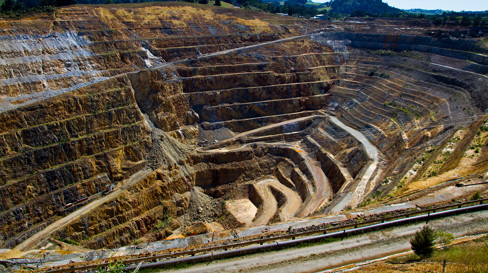 waihi-gold-mine-by-alan-goldby