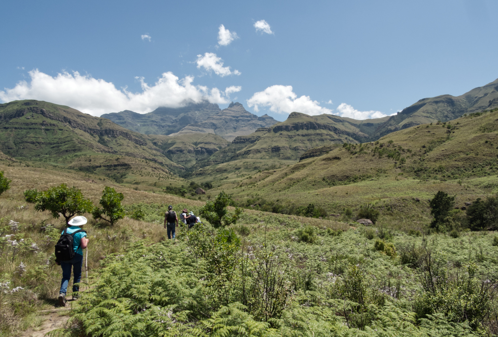 walking-in-the-drakensburg-by-richard