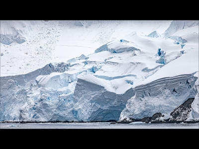 disappearing-antarctica-by-roy-backhouse