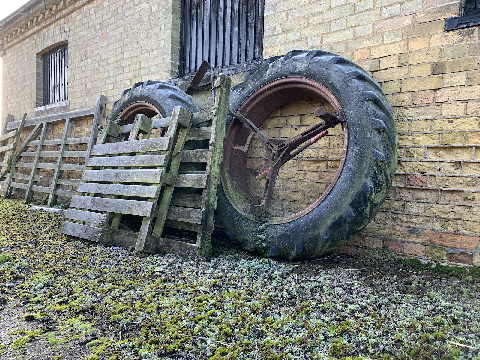 tired-out-tyres-by-gordon